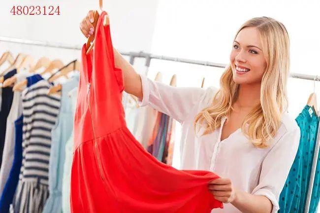 50岁女人穿衣技巧 记住这五点让你做个魅力女人~