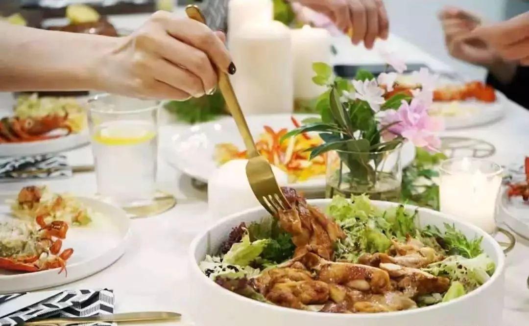 他们是美食达人,还是手工重度患者,80%的家居小物都自己做,这对上海小夫妻的家超厉害!