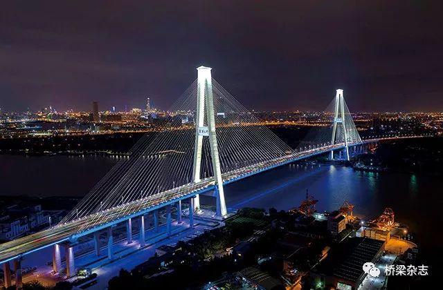 徐浦大桥 基于BIM+GIS技术的桥梁智能运维管理分析与应用