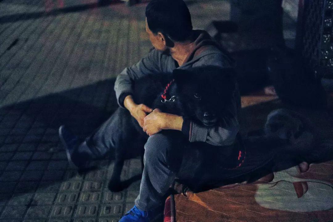 广州街头,有一群被遗忘的人,无家可归还一直被误解……