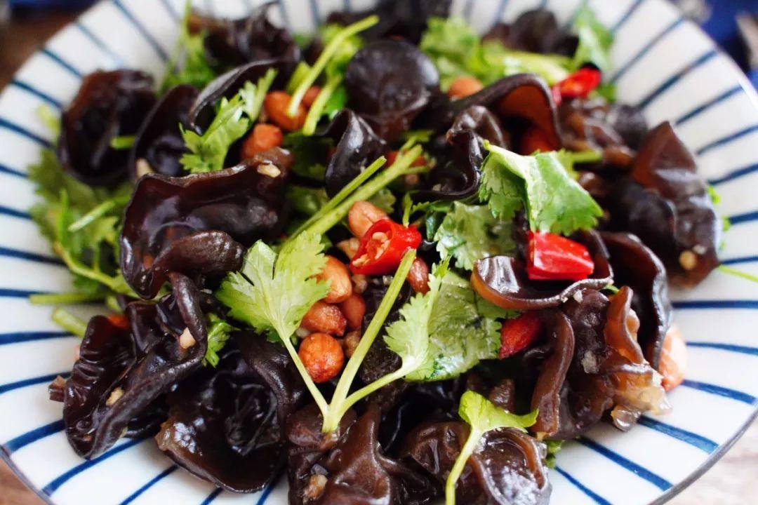 夏天必吃的一道小菜,酸辣清爽解油腻,简单三步5分钟就搞定!