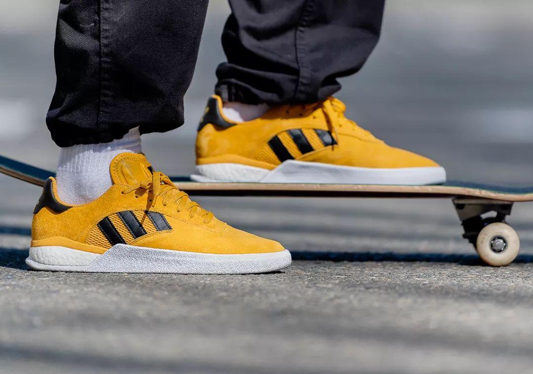 每日鞋讯 | Miles Silvas x adidas 3ST.004 滑板上的「黄色精灵」