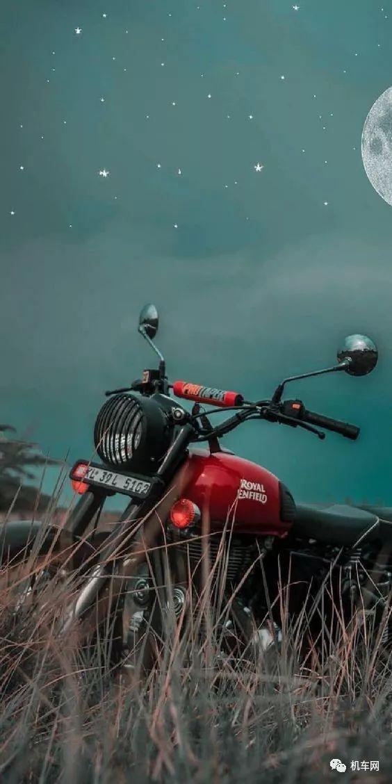 一个骑摩托车的人有啥意思?