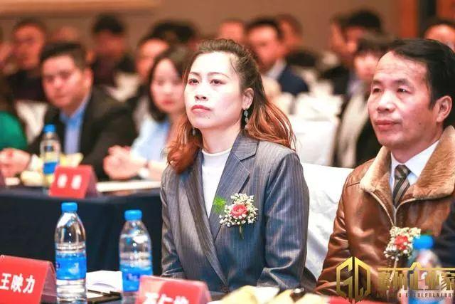 【热点关注】石仁均受邀出席《贵州企业家》首播新闻发布会暨战略合作签约仪式
